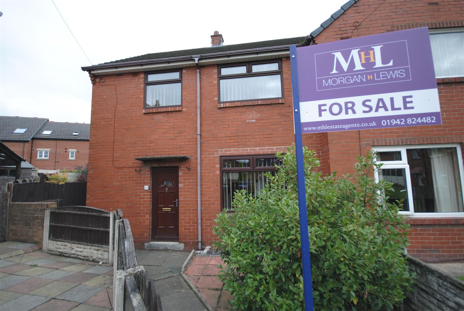 3 Bedrooms End Of Terrace House for sale in Boswell Place, Goose Green, Wigan